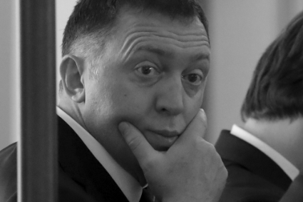 Oligarch Oleg Deripaska uses former SVR to rescue RusAl.