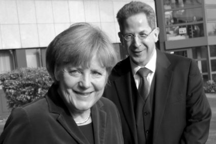 Angela Merkel with Hans-Georg Maassen, then boss of the BfV.