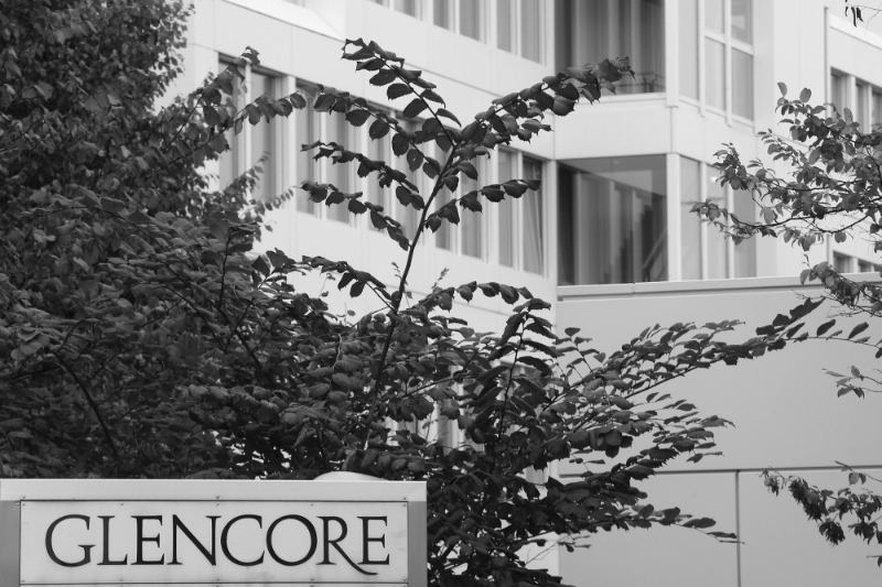 The DoJ investigates Glencore's non-compliance with anti-corruption procedures in several countries.