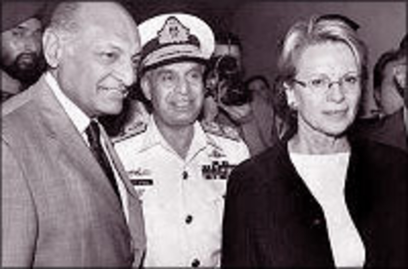 French Defense Minister Michele Alliot-Marie in Karachi (copyright: paknews.com)